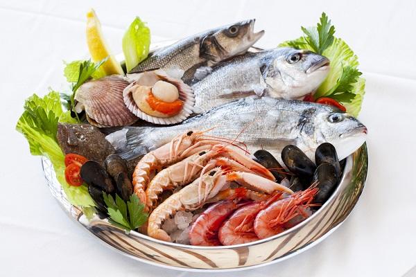 Аллергия на рыбу: полезная пища не всегда во благо